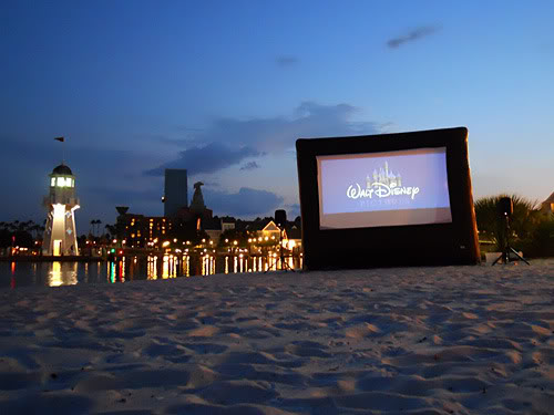 Are there Free Nighttime Movies at Walt Disney World Resorts?