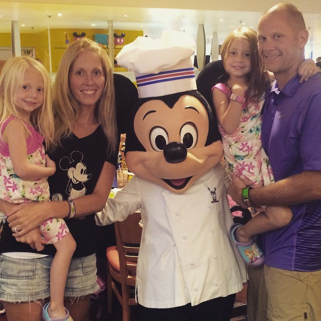 Why should you use a Disney Travel agent to book your magical Disney vacation?