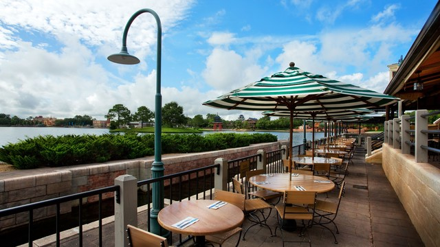 8 Great Locations for Al Fresco Dining at Disney World