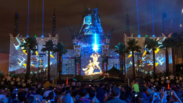 5 Easy Steps to a Epic Date Night at Star Wars: Galaxy's Edge
