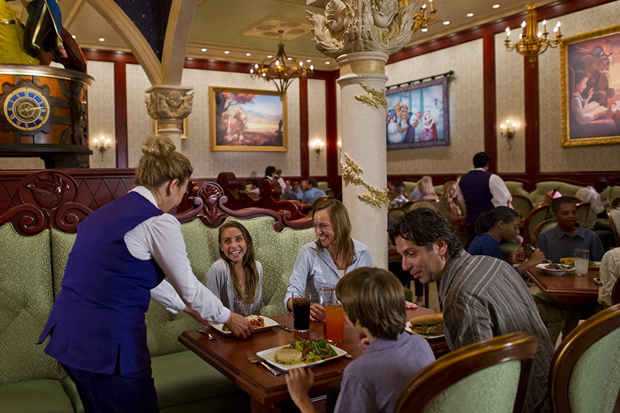 7 Disney World Restaurant Reservations That Can Get You Into the Parks an Hour Before Everyone Else