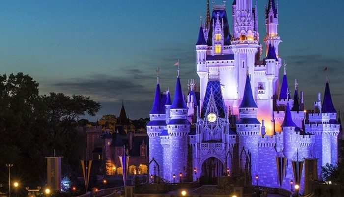 10 Walt Disney World Moments That Are Guaranteed to Make You Emotional