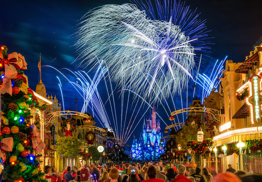 What Table Service Restaurants Remain Open During Mickey's Very Merry Christmas Party?