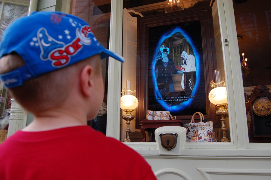 Don't Miss These Interactive Scavenger Hunts at Disney World!