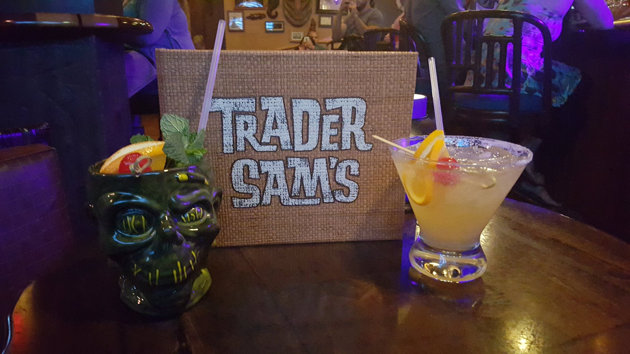 12 of Our Favorite Alcoholic Drinks At Walt Disney World