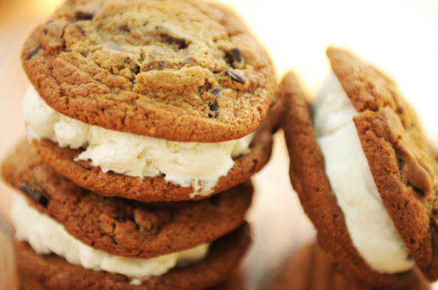 7 of Our Favorite Cookie Treats at Walt Disney World