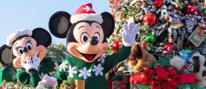 christmas decorations - When Does Disney World Decorate For Christmas 2017