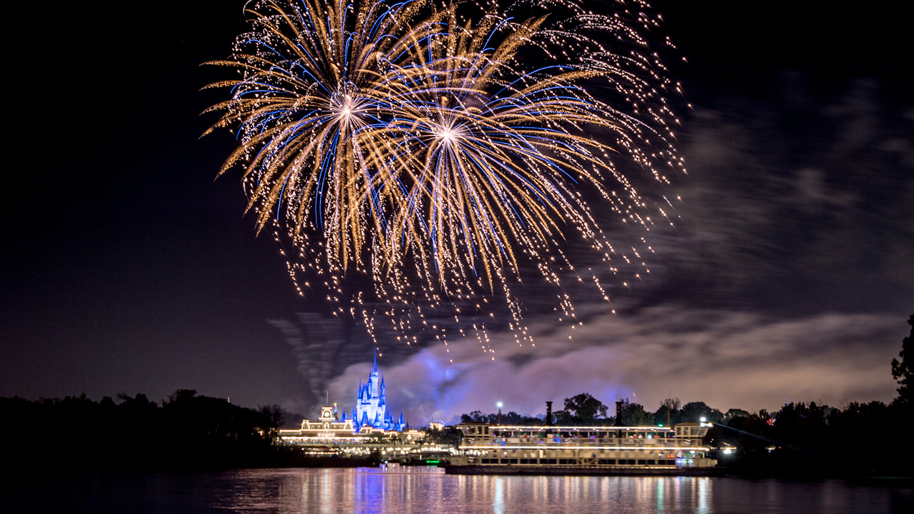 What Fireworks Cruises are Available at Disney World?