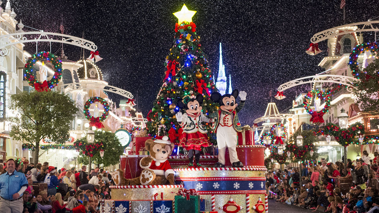 Spending the Holidays at Walt Disney World