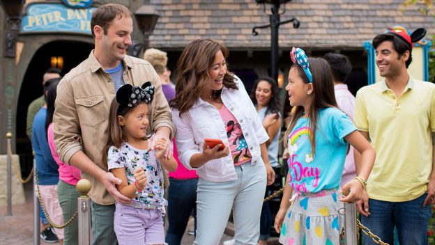 4 Digital Experiences that Will Enhance Your Visit To Disneyland