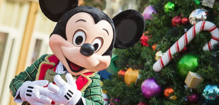 christmas decorations - When Does Disneyland Decorate For Christmas 2018