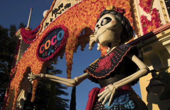 Should Disney Change the Theme of Gran Fiesta Tour to Coco?