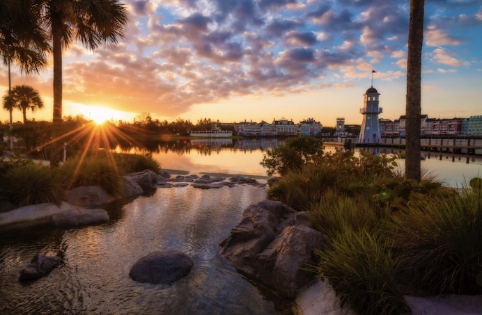 Can I Visit a Walt Disney World Resort Without Staying There?