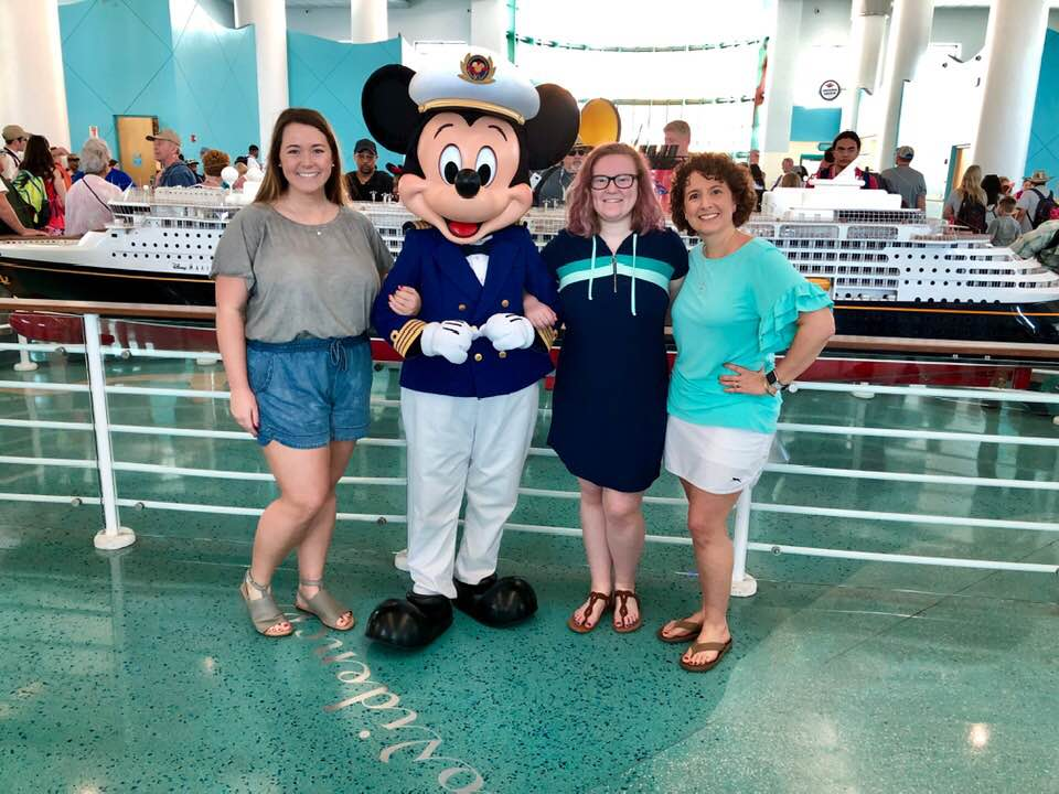 What to Wear to Dinner on Disney Cruise Line