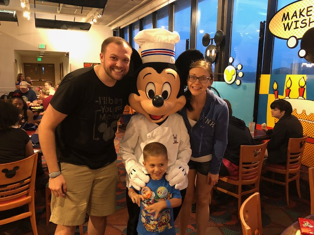 #DisneyMomLife – Managing the Disney Chaos