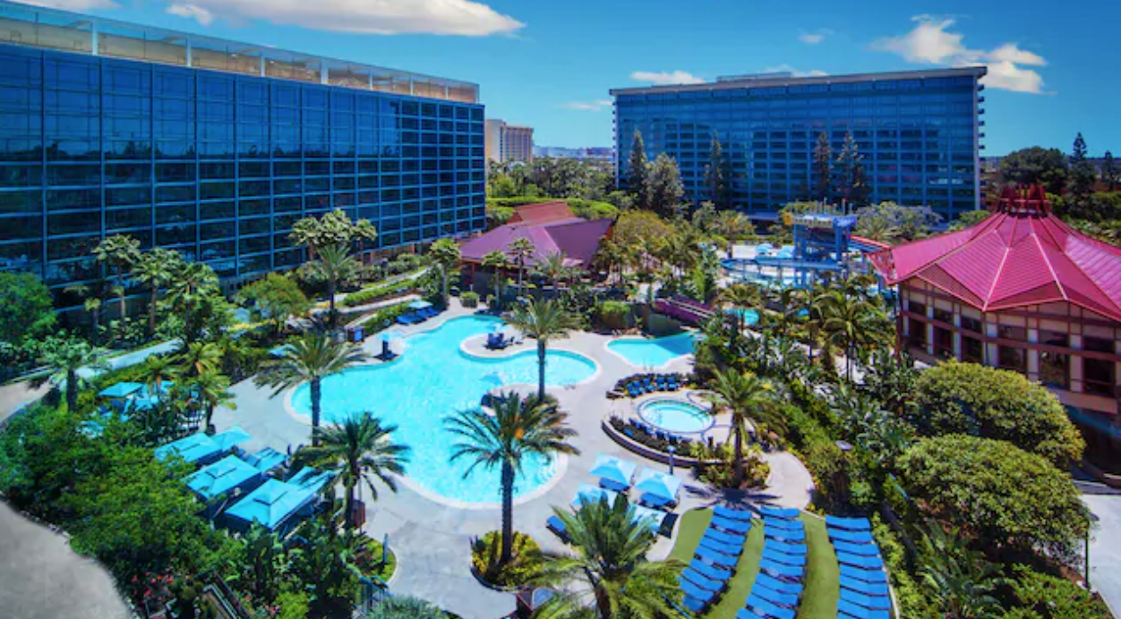 Five Great Reasons to Book a June Stay at the Hotels of the Disneyland Resort