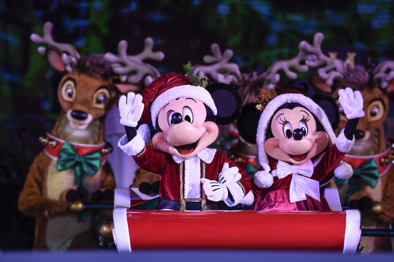 Walt Disney World Offers Holiday Specials For Annual Passholders