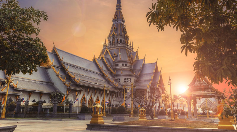 Travel Guide for Couples To The Most Beautiful Cities in Asia