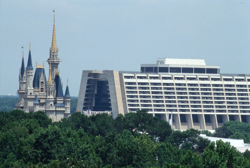 5 Reasons to Stay at Disney's Contemporary Resort