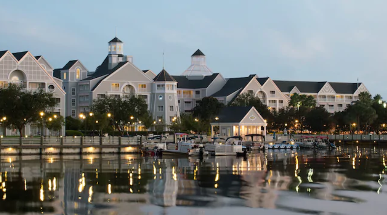 Top 5 Reasons to Stay at Disney's Yacht Club Resort
