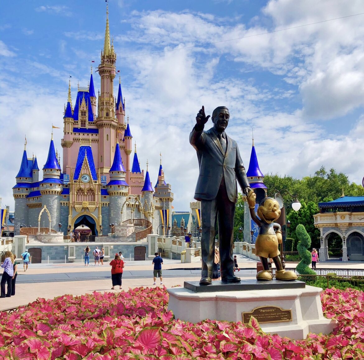 Why You Should Move Near Walt Disney World