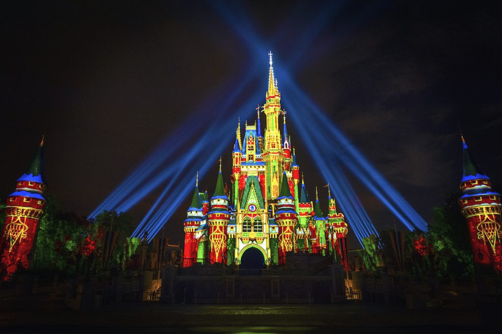 6 Reasons to Visit Walt Disney World this Holiday Season